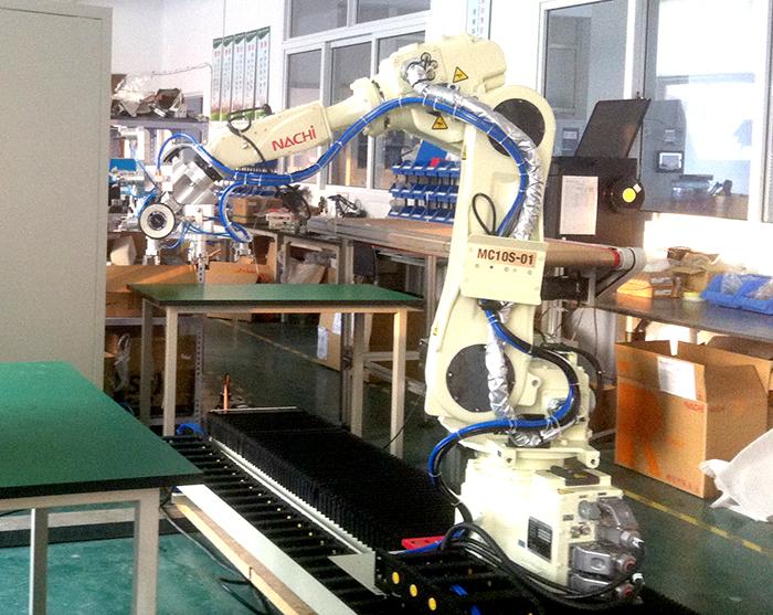磁密封硫化生产线机器人系统
