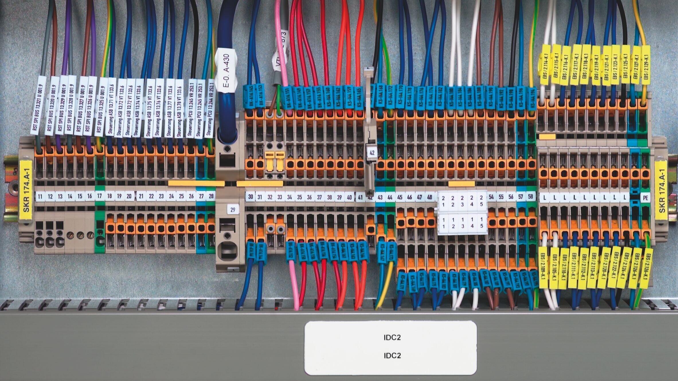 新型sak系列接线端子采用改型的pa66材料