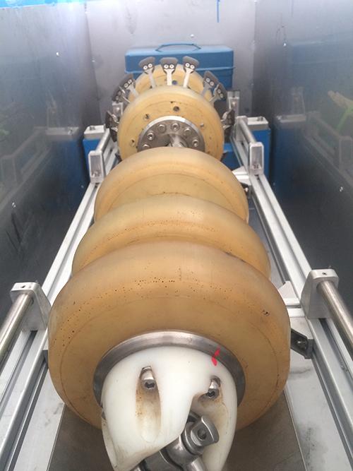 石油管道形变检测装置